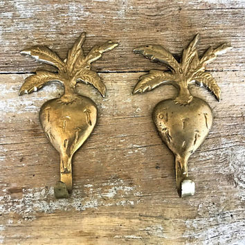 Wall Hook 2 Brass Hooks Flower Wall Hook Decorative Wall Hook Coat Hook Towel Hook Farmhouse Chic Wall Hook Mid Century Tropical Brass Hook