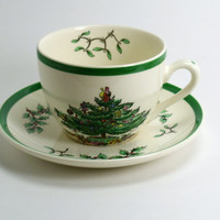 Spode Christmas Tree Porcelain Teacups & Saucers , Lot of 4 Cup and Saucer