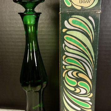 Avon 1970s Emerald Bud Vase Full Glass bottle with Stopper Original Box Avon Green Glass Bottle Unforgettable Cologne Avon Collectible