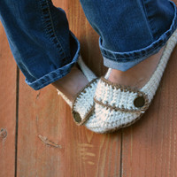 Cream and coco brown slippers, crochet slippers, booties, womens slippers, womens crochet slippers, winter fashion, socks, crochet shoes