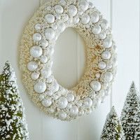 Ivory Platinum Bottle-Brush Christmas Wreath - Bethany Lowe