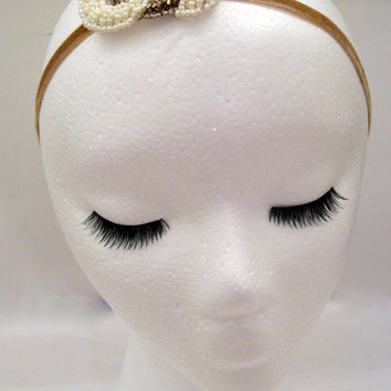 1920s style flapper headband fascinator hair accessory Great Gatsby Downton Abbey Boardwalk Empire art deco white cream gold bead hairpiece