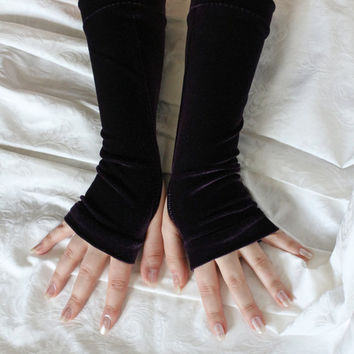 Dark purple velvet gothic  armwarmers fingerless gloves
