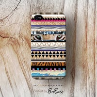 3D-sublimated, Mobile accesories, iPhone 4, iPhone 4S, iPhone 5, Aztec Geometric Wood by Etsy .