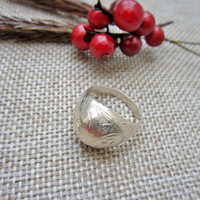 vintage ring, sterling silver, silver ring, small ring ,midi ring, pinky ring, leaf swirl, engraved ring