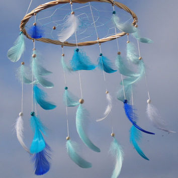 Blue feathers mobile Dreamcatcher feathers mobile Baby boy mobile Willow dream catcher Feathers nursery Blue nursery decor Wood baby mobile