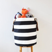 Black & White Stripes XXL Hamper