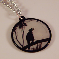 Crow necklace, black bird jewelry - office wear  -statement fashion jewelry - goth accessory for fall / autumn - halloween, raven, teen gift