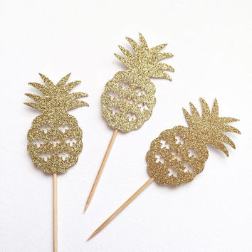 Pineapple Cupcake Toppers - Gold Glitter Pineapple Toppers - Set of 12 - Pineapple Party // Tropical Party Decoration // Luau Party Supplies