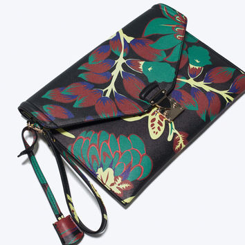 Novelty printed clutch