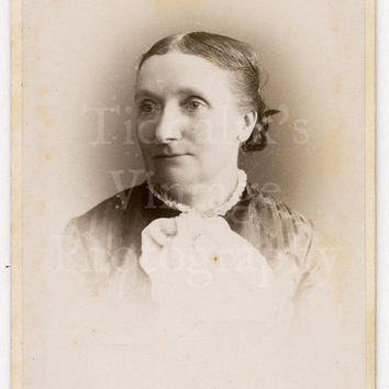 CDV Carte de Visite Photo Victorian Woman Portrait by Porter of Ealing London
