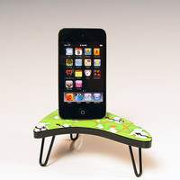 iPod docking station. iPhone dock. Green Atomic Bunny faux formica pattern on miniature 50s boomerang table. Yikes 38