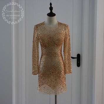 Luxury Gold Crystal Beaded Short Cocktail Dresses 2017 Robe de cocktail courte Long Sleeves Champagne Lace Homecoming Prom Dress