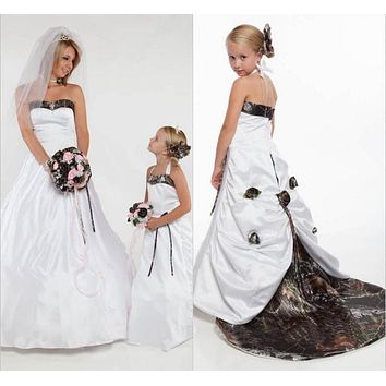 2016 New Arrival Camo Flat Flower Girl Dress Custom Made Sweep Train With Hand Made Flowers Little Girls Dress For Weddings