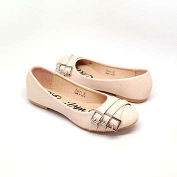Beige Women's Flat with Buckle Design