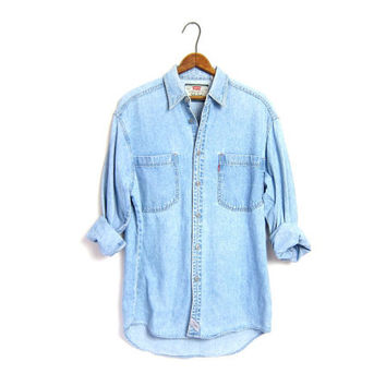 Vintage Levis Shirt. Boyfriend Shirt. Oversized Denim Shirt. Washed Out Faded Distressed Denim Shirt. Slouchy Button up Shirt. Mens Small