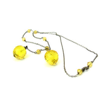 Art Deco Lariat Necklace. Lemon Yellow Crystal Drops. Faceted Dangles. Asymmetric Czech Glass Negligee Chain. Vintage 1920s Flapper Jewelry