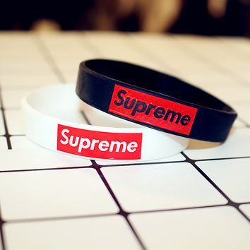 """Supreme"" Personality Fashion Sports Energy Rubber Letter Unisex Bracelet Couple Silica Gel Bracelet Wristbands"