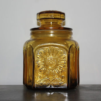 Vintage Wheaton NJ Amber Daisy Glass Jar and Lid - Kitchen storage, jars, collectibles, amber glass, cookie jar, flour bin