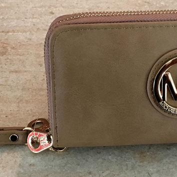 Mk wallet light brown