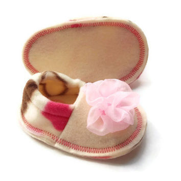 Baby Girl Pink Infant Crib Shoes Valentines Day Fleece Slippers Heart Baby Booties Soft Felt Soles Baby Shoes 0-3 3-6 6-9 months
