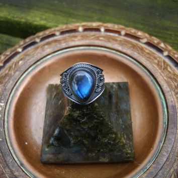 Labradorite ring, labradorite rings, labradorite jewelry, size 6 ring, spectrolite ring, oxidized silver ring, blue ring, gypsy ring