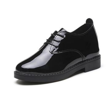 2018 spring new Fashion Women Casual Shoes Breathable Leather Casual Flats lace-up Shoes feminine Oxford shoes