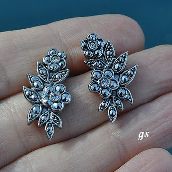 Vintage Floral Design Marcasite Earrings, Silver Tone, Silver Earrings, Pierced Earrings, Vintage Earrings, Floral Earrings, GS421