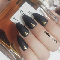 Set of stiletto press on nails - Matte black pointy false nails fake nails glue on nails with gold triangle studs