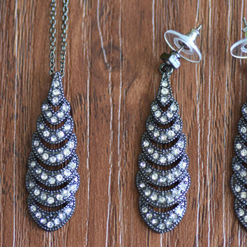 Avon Tier Drop Earrings and Necklace Set