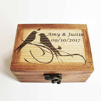 Personalized Ring Box, Custom Ring Box, Wooden Ring Box, Wooden Box Birds, Rustic Wedding, Rustic Ring Bearer, Wedding Birds Swallows