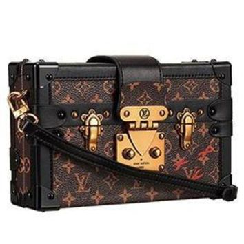 DCCKU3N Louis Vuitton Petite-Malle Trunk Bag