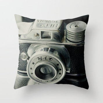 Hit Vintage camera Throw Pillow by Irène Sneddon | Society6