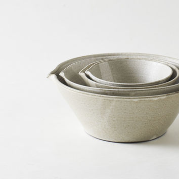 Eric Bonnin Ceramics Kam Stacking Mixing Bowls in Oatmeal : MARCH
