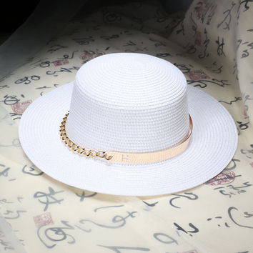 2016 summer Flat sun hats for women Metal chain decoration straw hat  panama  Beach bucket cap girl topee
