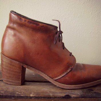 70s OXFORD lace up boots vintage brown leather ankle BOOT stacked tall wood heels ladies size 10 boho hippie 1970s preppy booties hippy shoe