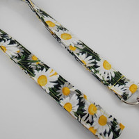Daisy Lanyard Floral Lanyard Florist Lanyard Field of Daisies Lanyard Daisy Keychain Floral Key Holder Daisy ID Badge Holder Teacher Lanyard