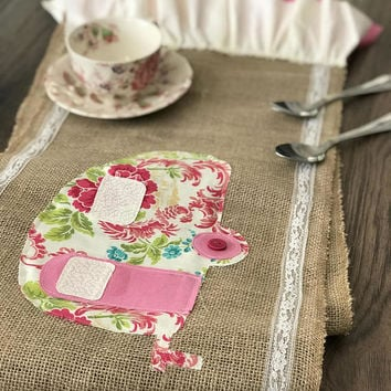 Table runner wedding, burlap table runner, wedding gift, bridal shower gift, farmhouse table runner, farmhouse decor, camper van decor gift