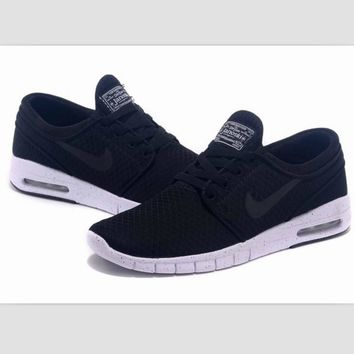 NIKE trend of sports shoes light running shoes Black(black hook)