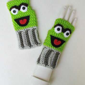 Sesame Street OSCAR THE GROUCH Wristwarmers, Ready to Ship