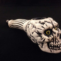 Half Price Sale Ceramic Yellow Eyed Skull Tobacco Spoon Pipe