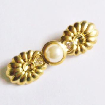 Vintage Brooch Pin Pearl Gold Tone Setting Wedding Jewellry Bridal Sash Jewelry Special Occasion Gift Christmas June Birthday