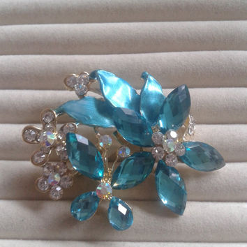 mint and blue  crystal flower rhinestone goldtone  brooch  pin