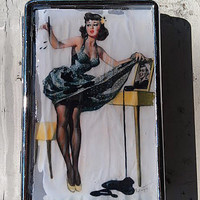 1950's Printed Ink Stain Pin-Up Retro Metal Wallet Vintage Cigarette Case ID Holder Money Accessory Silver Holder