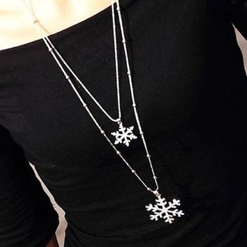 Stylish Layered Cut Out Rhinestone Snowflake Charm Sweater Chain For Women - Silver
