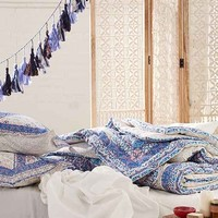 Magical Thinking Terra Medallion Comforter- Blue