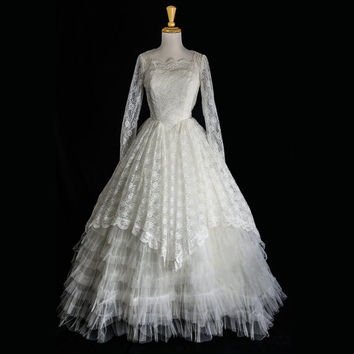 Vintage 1950s Wedding Dress Cupcake Dream White Tulle Lace Gown Bombshell
