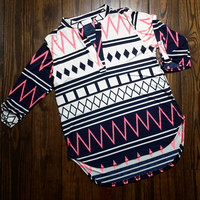 AZTEC CHEVRON PRINT V-NECK WOVEN SHIFT BLOUSE
