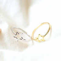 Simple Elegant star ring in silver/ gold, modern. delicate,  stacking ring, everyday ring, chic, knuckle ring