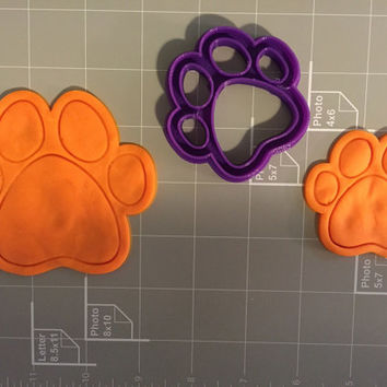 Dog Paw Cookie Cutter (may be used for cat and other pets)